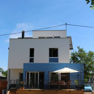 Extension et rénovation - façade arrière et terrasse