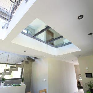 Construction à toiture deux pans - salle à manger et escalier