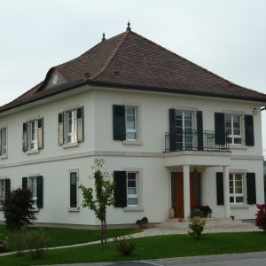 Construction à toiture deux pans - façade avant et flanc