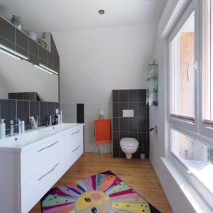 Rénovation à toiture deux pans - salle de bain