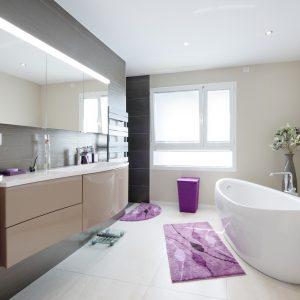 Construction à toit plat - salle de bain