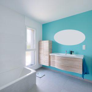 Construction à toiture quatre pans - salle de bain