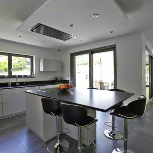 Construction à toiture deux pans - cuisine