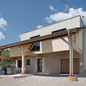 Réhabilitation d'une grange - façade avant et garage